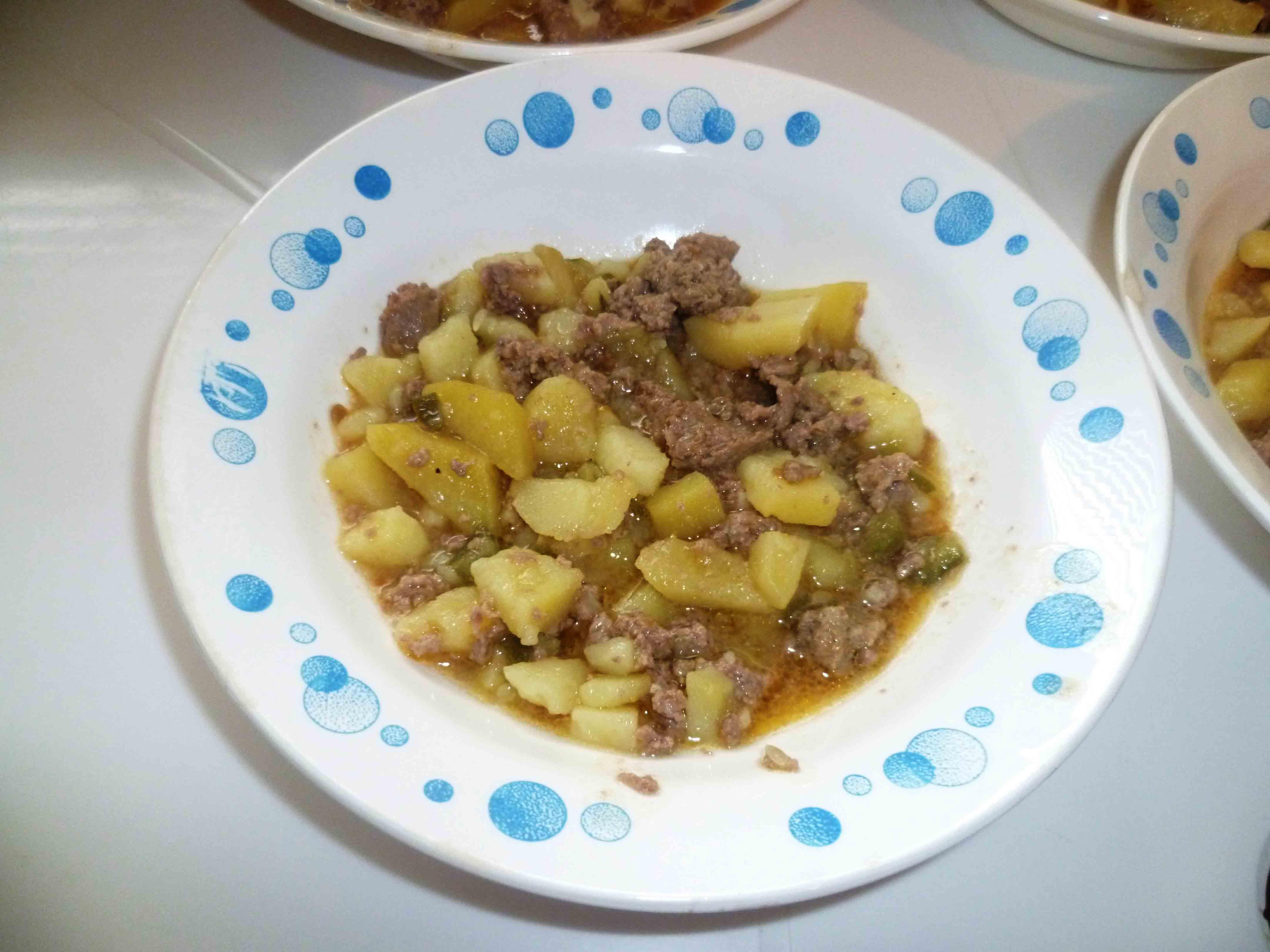 Приготовить подливу для макарон из говядины